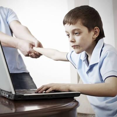 """Tách con ra khỏi """"công nghệ"""" bằng các trò chơi kỹ năng"""