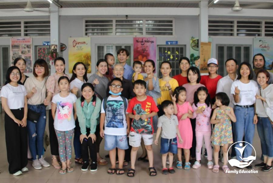 7 lý do phụ nữ cần cho trẻ tham gia chương trình từ thiện - FAM EDUCATION